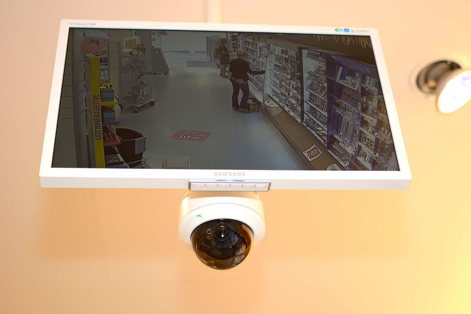 How Does Smartlink Make Setting Up A Wifi Camera Easier?