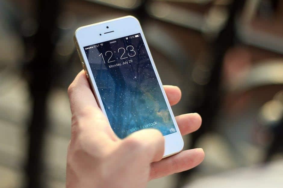 hand, iphone, macro