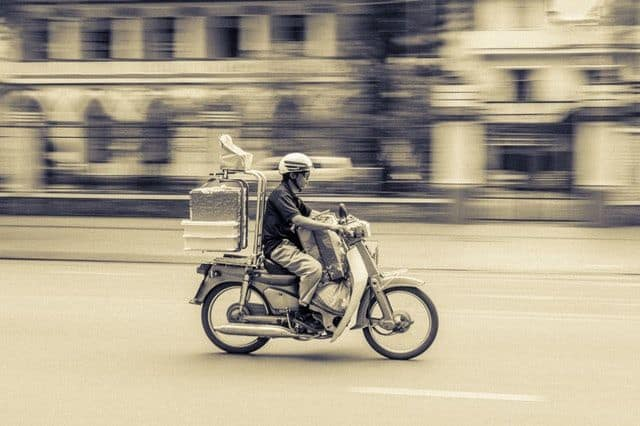 Why Should a Tech Startup Use a Quality Courier Service? 1