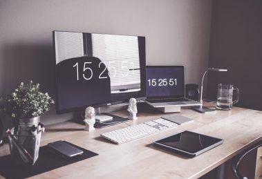 C:\Users\MICROSOFT\Desktop\techgeekers.com\home-office-1867761_1920.jpg
