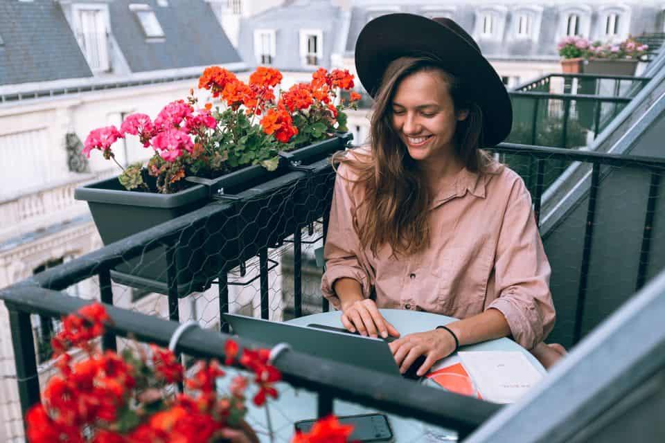 Freelancer girl female