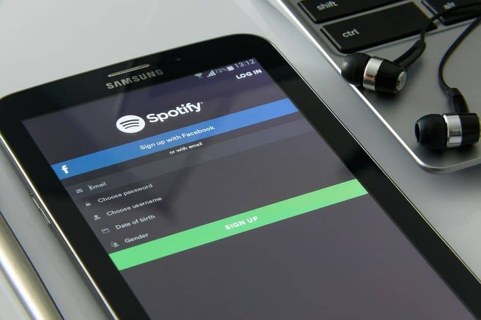 music-on-your-smartphone-1796117_960_720 spotify