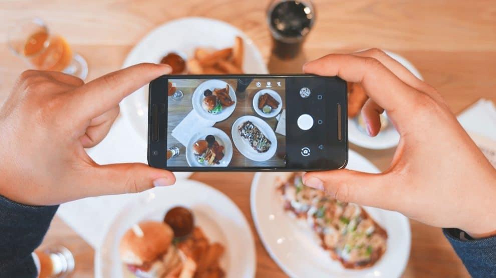 C:\Users\HP\Downloads\Foodies Make Money From Social Media.jpg